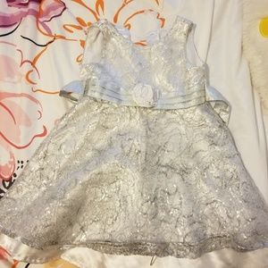 Girl's silver party dress size 4T with cardigan